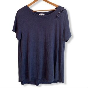 Soft blue t-shirt with lace detailing XL